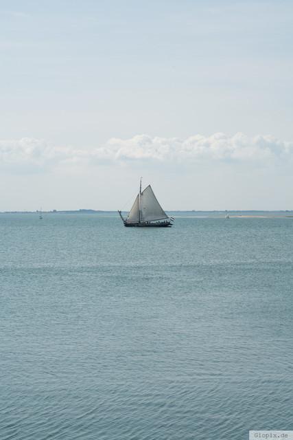 Segelboot in Schelphoek | Segelboot in der Schelphoek Bucht bei Serooskerke