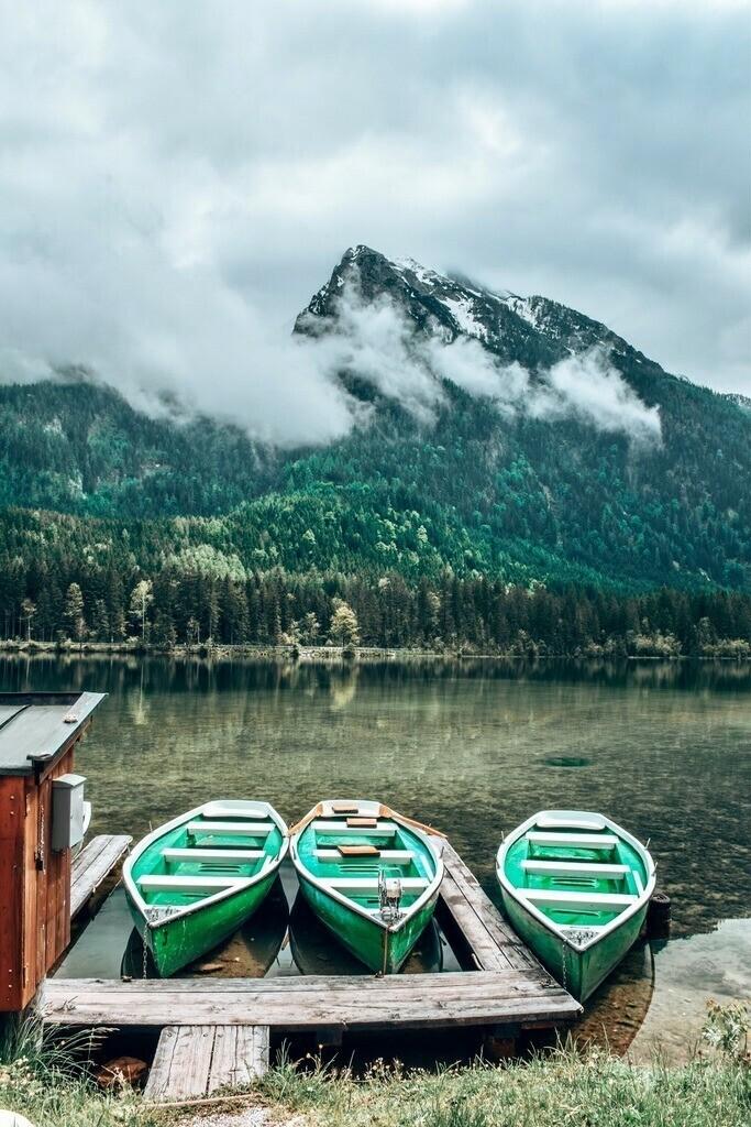 Hintersee - Zauberwald | Boote im idyllischen Hintersee