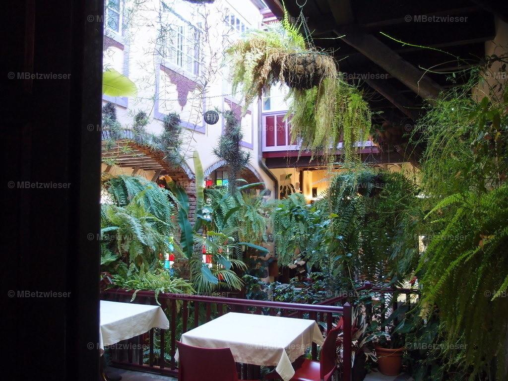 P4185172 | Innenhof in einem Restaurant in  Santa Cruz de La Palma