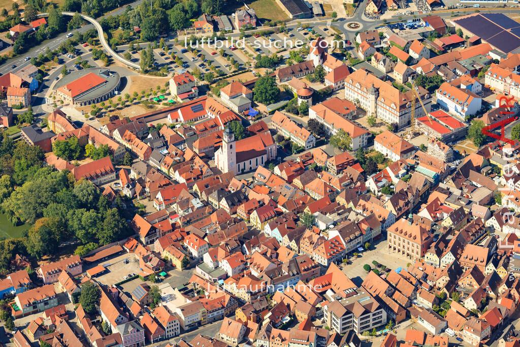 marktplatz-neustadt-an-der-aisch-2015-5013 | Luftbild von Marktplatz Neustadt-an-der-aisch - Luftaufnahme wurde 2015 von https://frankenair.de mittels Flugzeug (keine Drohne) erstellt - die Geschenkidee