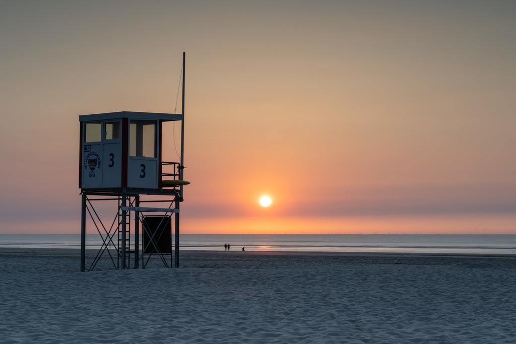 02EAAE3D-023C-4F7F-813A-8763C5ED358A | Sunset auf Juist am Rettungsturm 3
