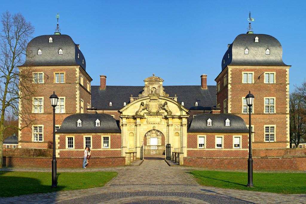 Schloss Ahaus im Münsterland - Wasserschloss in der Abendsonne | Schloss Ahaus im Münsterland - Wasserschloss in der Abendsonne