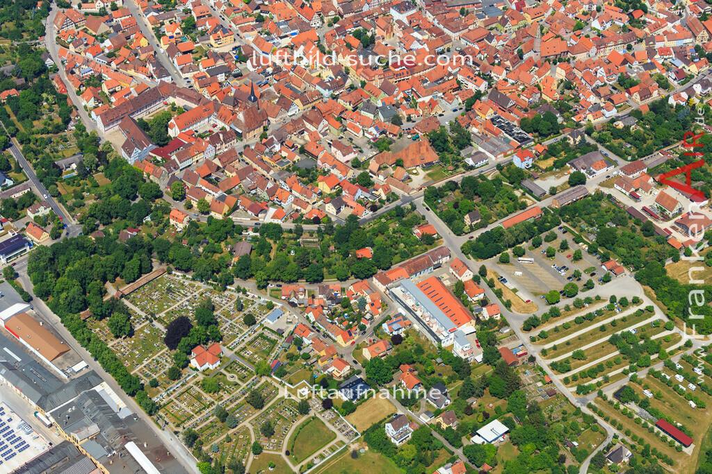 suedring-bad-windsheim-2015-46   Luftbild von Suedring Bad-windsheim - Luftaufnahme wurde 2015 von https://frankenair.de mittels Flugzeug (keine Drohne) erstellt - die Geschenkidee
