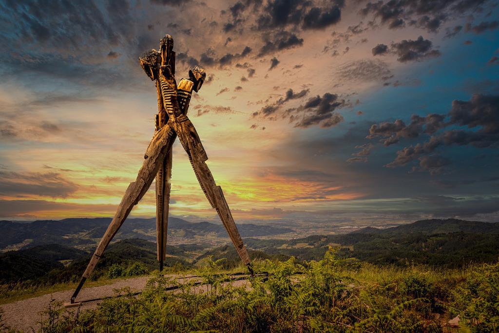 Lothardenkmal | Lothardenkmal auf dem Siedigkopf bei Nordrach