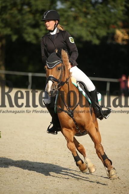 Rot am See_2021_Ponyspringprüfung_Kl.M_Nora Staroszyk_Chino 11 (3)