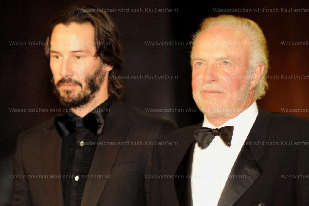 Keanu Reeves & James Caan   Keanu Reeves & James Caan