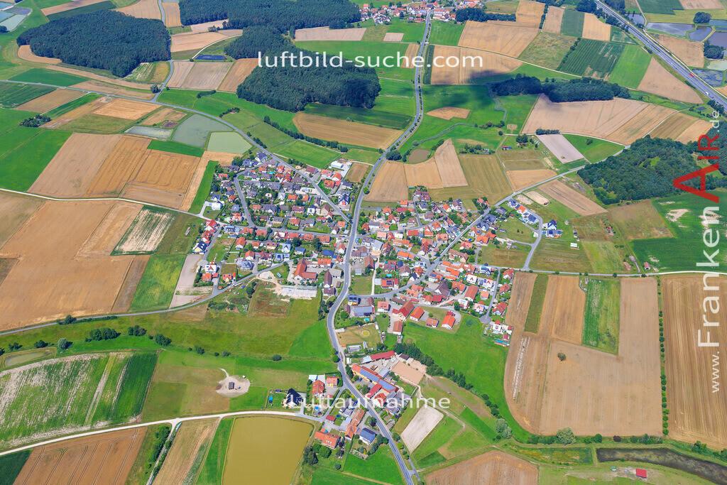 niederlindach-hessdorf-17-4876 | Luftbild von Niederlindach Hessdorf - Luftaufnahme wurde 2017 von https://frankenair.de mittels Flugzeug (keine Drohne) erstellt - die Geschenkidee
