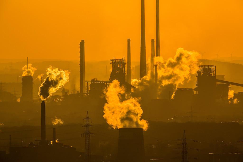 JT-160216-015 | Stahlstandort Duisburg, Kulisse der ThyssenKrupp Steel Stahlwerke, Hochöfen, in Duisburg Bruckhausen,