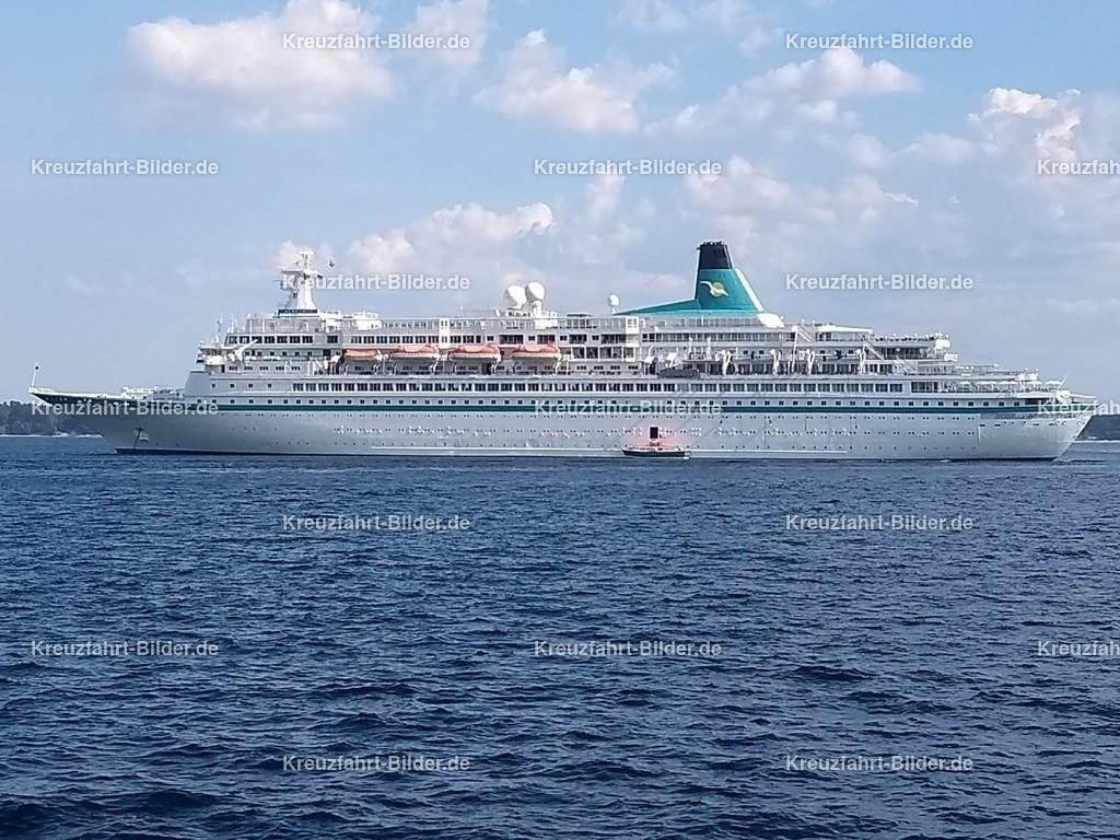 MS Albatros vor Eckernförde III | MS Albatros ankert vor Eckernförde