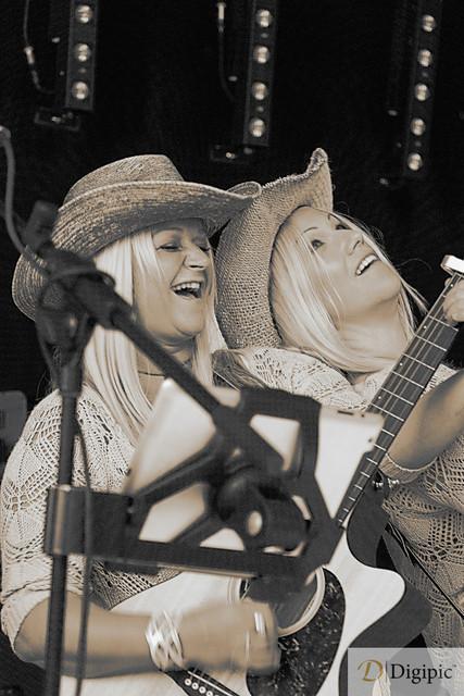 Road Chicks 1 -Vorschaubild | Live Konzert Road Chicks Backstage