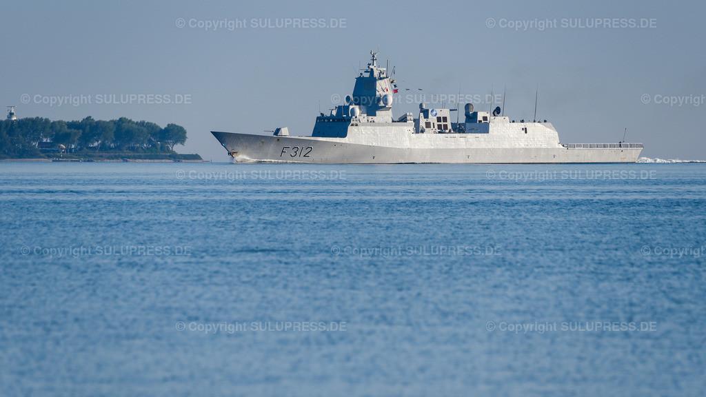 F312 Fregatte Otto Sverdrup in der Kieler Förde | 17.06.2020, Kiel, F312 - Fregatte