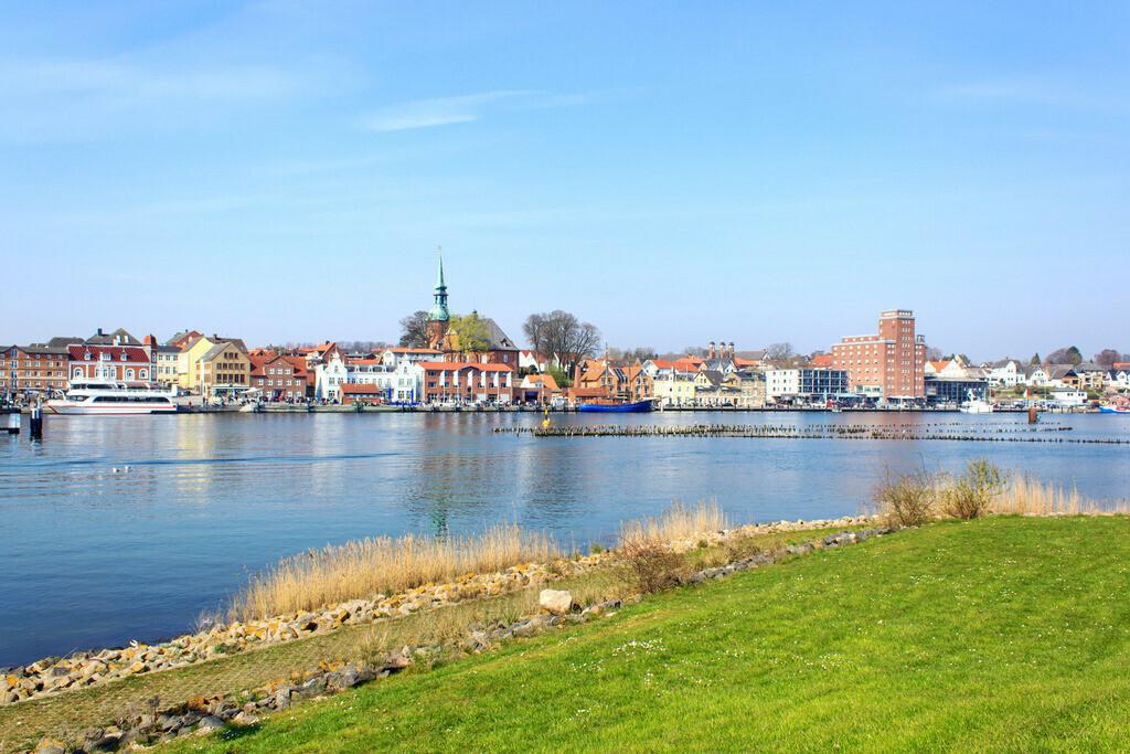 Frühling an der Schlei | Blick auf den Hafen in Kappeln an der Schlei im Frühling