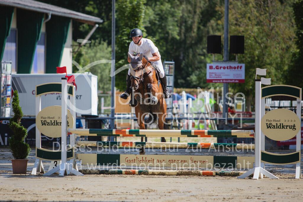 200819_Delbrück_Sprpf-A_1_2-021   Delbrück Masters 2020 Springpferdeprüfung Kl. A* 4jährige Pferde
