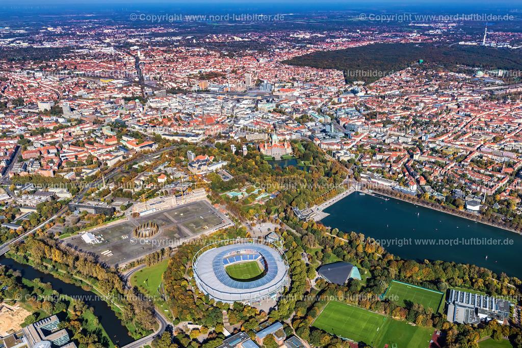 Hannover_Südstadt-Eilenriede_Oststadt_Mitte_ELS_6540151017 | Hannover - Aufnahmedatum: 15.10.2017, Aufnahmehöhe: 643 m, Koordinaten: N52°21.107' - E9°43.654', Bildgröße: 6977 x  4651 Pixel - Copyright 2017 by Martin Elsen, Kontakt: Tel.: +49 157 74581206, E-Mail: info@schoenes-foto.de  Schlagwörter:Hannover,Stadion,Hannover 96,HDI,Mitte Zentrum, Innenstadt,Luftbild, Luftbilder, Deutschland