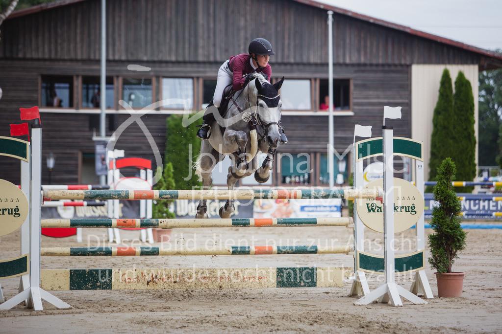 200821_Delbrück_Youngster-M-628 | Delbrück Masters 2020 Springprüfung Kl. M* Youngster Springen 6-8jährige Pferde