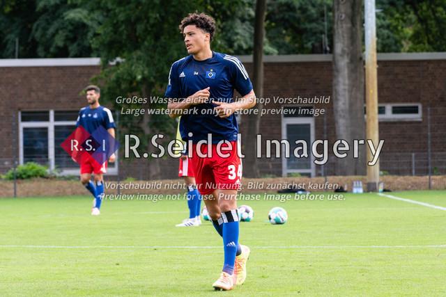 Fußball, Herren, Testspiel, Hamburger SV - FC Midtjylland, HSV-Trainingsplatz am Volksparkstadion, 20.08.2020 | Jonas David (#34, HSV)
