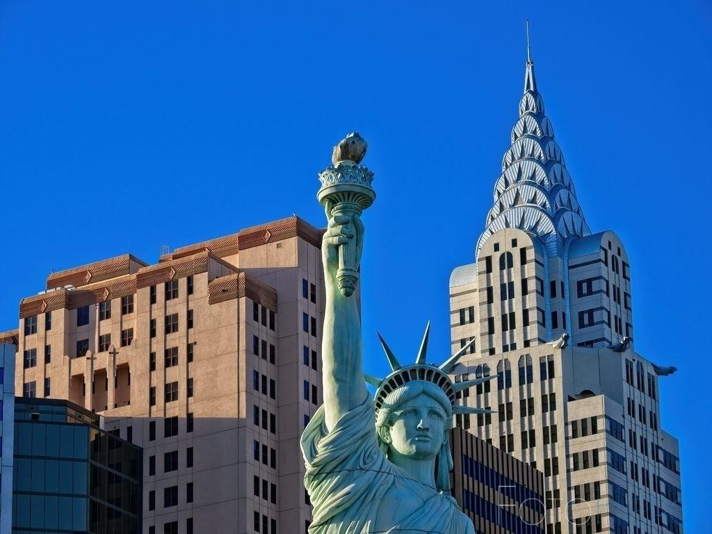 Statue of Liberty, | Freiheisstatur vor dem Hotel New York, New York in Las Vegas