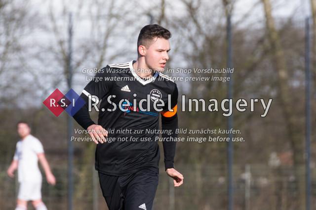 Fußball, Herren, Kreisliga 3, ETSV Hamburg II - SC Vier- und Marschlande III., Mittlerer Landweg, 01.03.2020 | Alexander Hamann (#5, ETSV, Kapitän)