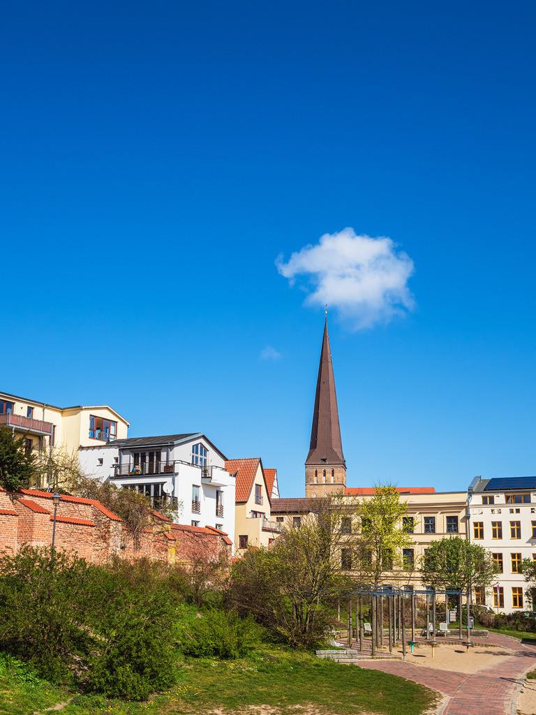 rk_06139 | Blick auf die Petrikirche in der Hansestadt Rostock.