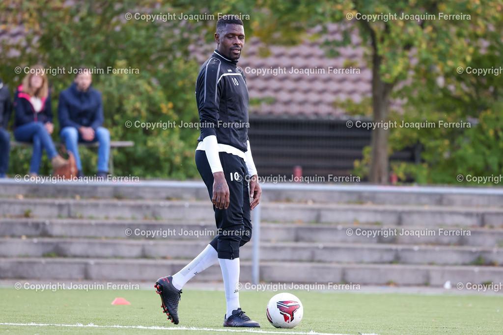 0551_3004 | 10.10.2020 Fussball Hessenliga SC Viktoria Griesheim - Hünfelder SV  v.l.,  Mohamadou