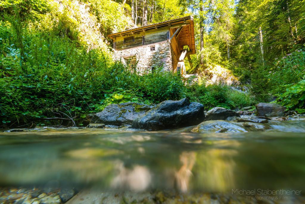 Kleiner Bach im Lesachtal | Kleiner Bach im Lesachtal mit einer Wassermühle