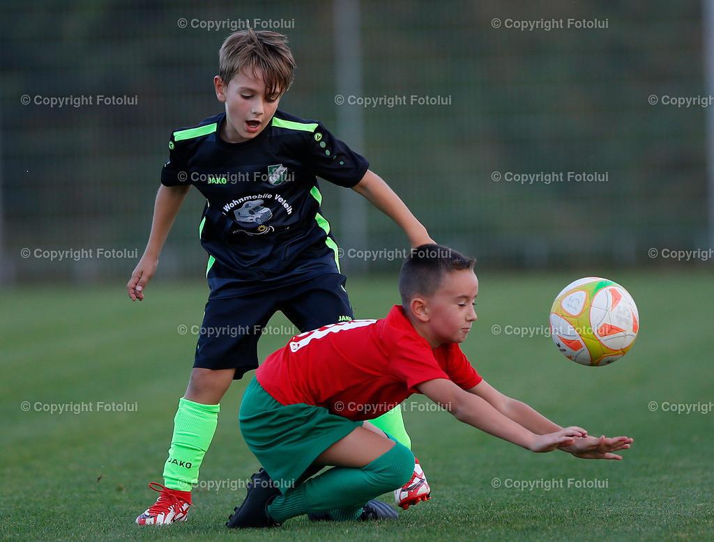 A_LUI27092021_31   SPORT,FUSSBALL, FC WELS_SC HOERSCHING U 9 27.09.2021 IM BILD: SCHWARZ (HOERSCHING) UND ROT (FC WELS )FOTO:FOTOLUI