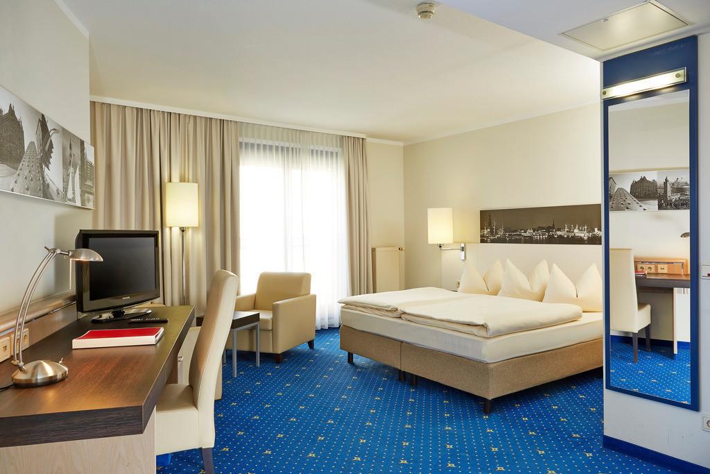 zimmer-familienzimmer-01-h4-hotel-hamburg-bergedorf