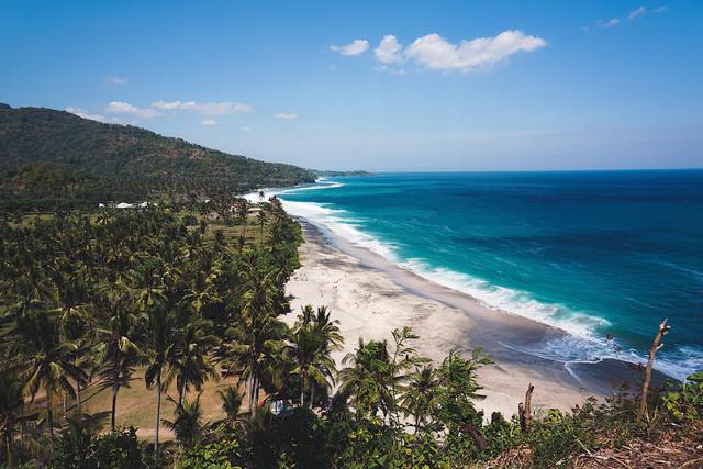 Tropical Paradise   Ausblick auf die Westküste von Lombok, Indonesien
