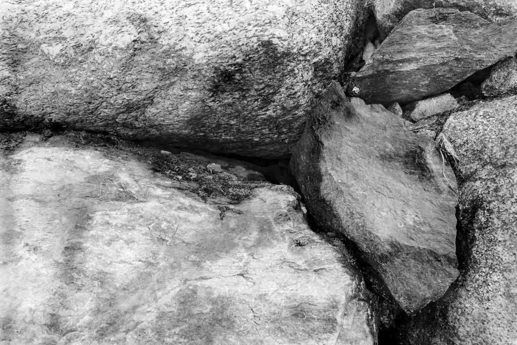 HS2019000059.1.B_W.Projekt-Steinstruktur.Südtirol-volle-auflösung.