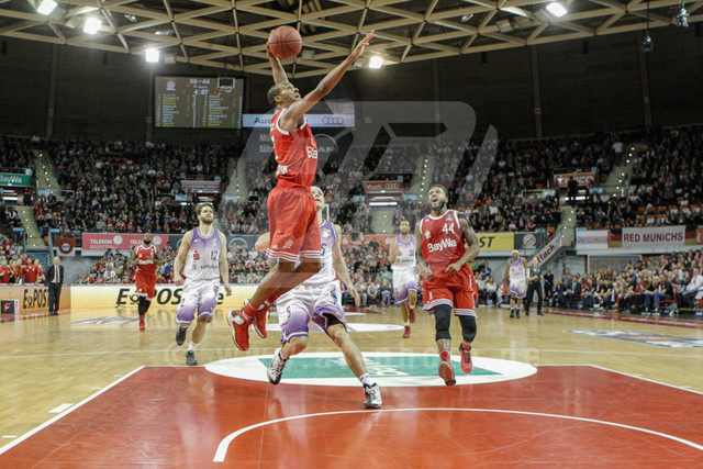 20151101_AF_W7F1862 | Alex RENFROE - USA  - (#12/Point Guard/FC Bayern Basketball)\   Basketballgame FC Bayern vs. BG Göttingen in Munich, GERMANY at 01. November 2015  Bundesligaspiel in der deutschen Beko Basketballbundesliga zwischen dem FC Bayern Basketball und den BG Göttingen. Spielort ist der Audidome am 01.11.2016.   Basketballgame FC Bayern vs. BG Göttingen, Munich, GERMANY, , Beko Basketballbundesliga, 1. League, Germany, Audidome  Honorarpflichtiges Bild,  - fee liable image - Photo Credit: © ATP FREIESLEBEN Alexander