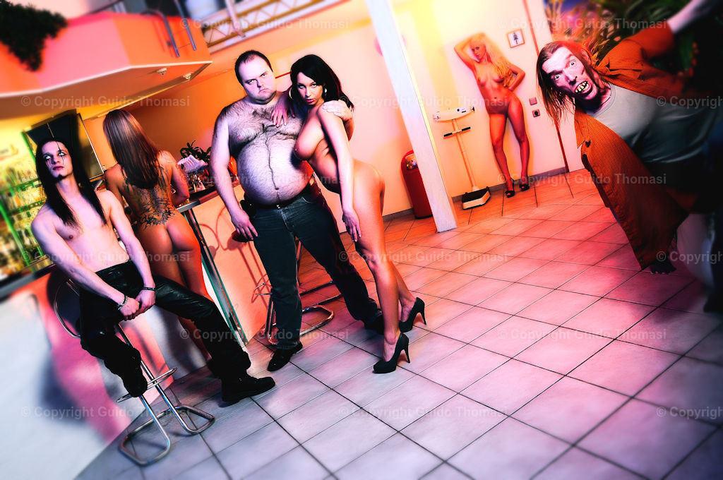 Kneipenshooting im Saturn | Ein Bild aus meiner Serie Kneipenshooting. Im Fitness Studio Saturn in Hannover. Das Studio existiert leider nicht mehr. R.I.P Dieter R.I.P Marco