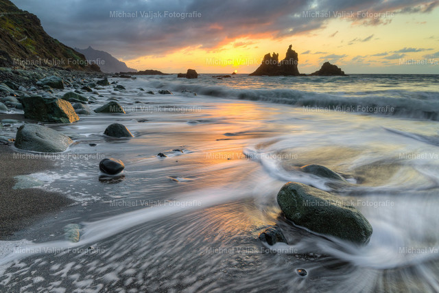Playa de Benijo | Sonnenuntergang an einem der schönsten und einsamsten Strände der Insel - der Playa de Benijo im Nordwesten