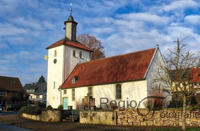 Marienkirche Breinum | 1207 wurde die Marienkirche in Breinum erstmalig erwähnt. Sie steht im Zentrum des Dorfes.