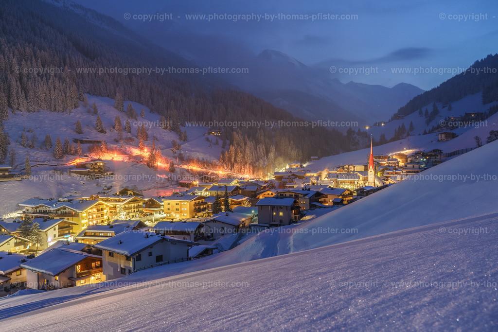 Lanersbach Blaue Stunde im Winter-2