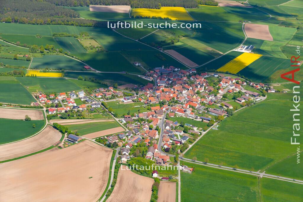 oberhoechstadt-19-298   aktuelles Luftbild von Oberhoechstadt  - Luftaufnahme wurde 2019 von https://frankenair.de mittels Flugzeug (keine Drohne) erstellt.