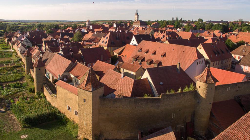 L_JS_DJI_0024_20160817_Mainbernheim | Das Luftbild zeigt Mainbernheim im Landkreis Kitzingen.