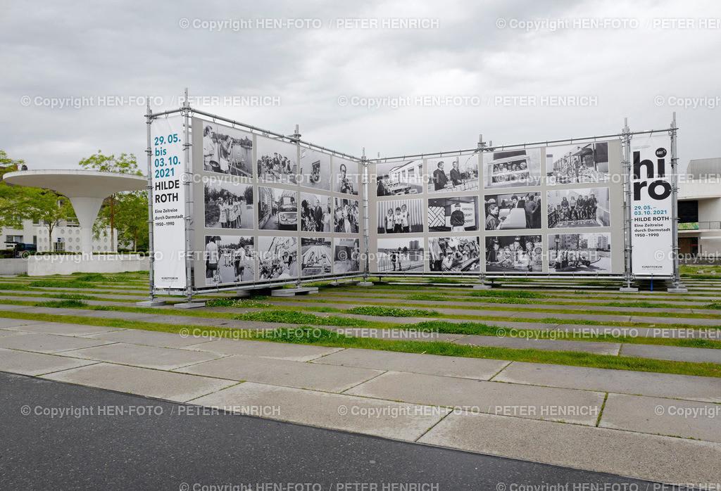 Eine Zeitreise durch Darmstadt Hilde Roth - copyright by HEN-FOTO | Hilde Roth - Eine Zeitreise durch Darmstadt - Outdoor Fotoausstellung vor Staatstheater Darmstadt im Rahmen von Ray Fotoprojekte Rhein-Main-Gebiet - copyright by HEN-FOTO Peter Henrich