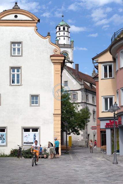 Ravensburg Innenstadt Architekturdetails | DEU, Deutschland, Ravensburg, 08.07.2012 Ravensburg Innenstadt Architekturdetails [© 20xx Christoph Hermann, Bild-Kunst Urheber 707707, Karlstrasse 94, 70794 Filderstadt, 0711/6365685;   www.hermann-foto-design.de ; Contact: E-Mail ch@hermann-foto-design.de, fon: +49 711 636 56 85,  ]