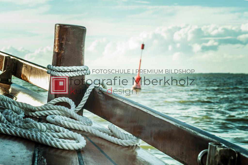 @Marko_Berkholz_mberkholz_MBE6762 | Die Bildergalerie Zeesenboot | Maritim | Segel des Warnemünder Fotografen Marko Berkholz zeigt maritime Aufnahmen historischer Segelschiffe, Details, Spiegelungen und Reflexionen.
