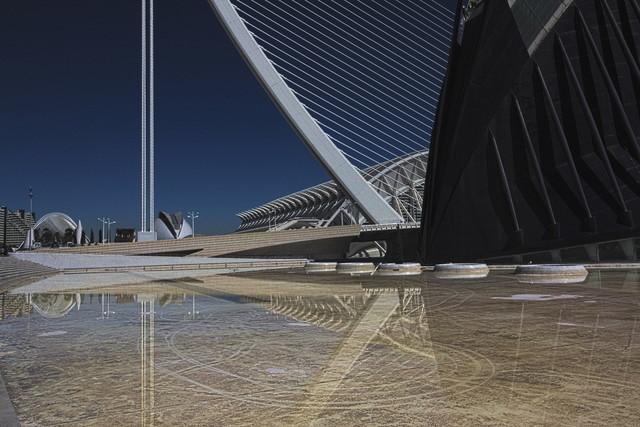 Futura 1 | Blick auf: Assut de l'Or Bridge. Àgora und Museu de les Ciències de València