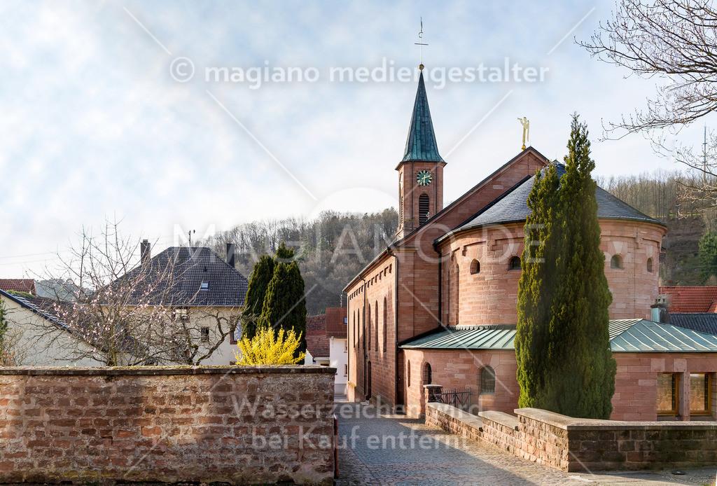 Pfarrkirche St. Pirminius Eppenbrunn von der Rückseite