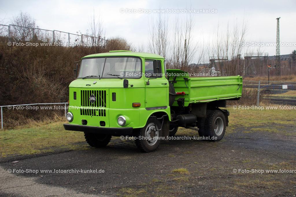 IFA W 50 L/K 3 SK 5 Dreiseitenkipper 4x2, Produktionbeginn 1966   IFA W 50 L/K 3 SK 5 Dreiseitenkipper, Farbe: Grün, LKW 4x2, Frontlenker-Lastkraftwagen mit Dreiseitenkipper, Start der Serienproduktion: 1966, Hersteller: VEB IFA-Automobilwerk Ludwigsfelde (AWL), DDR