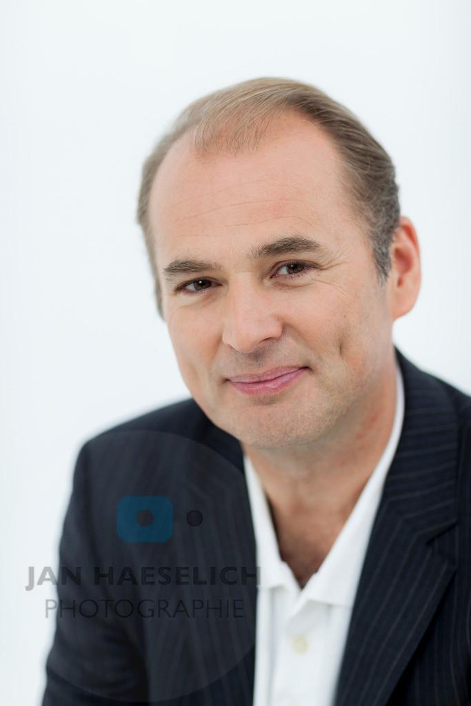 "Marcus Bluhm | Rote Rosen - Fototermin am 2.9.2013 in Hamburg. Die ARD-Telenovela ""Rote Rosen"
