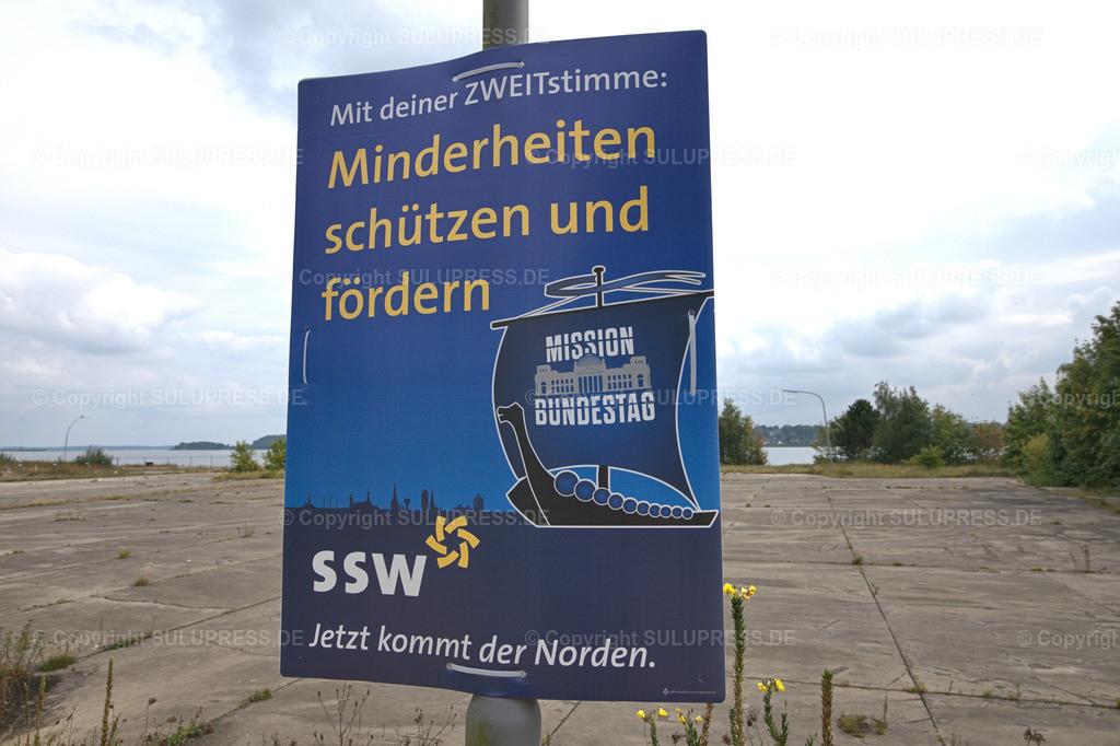 SSW Wahlplakat in Schleswig | Schleswig, ein SSW-Wahlplakat zur Bundestagswahl 2021 an einem Laternenpfahl. Auf den Wahlplakat wirbt die Partei Südschleswigscher Wählerverband (SSW) als Partei der dänischen Minderheitmit dem Slogan: