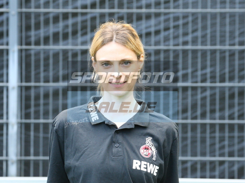 1. FC Köln Fotoshooting   Dr. Bettina Kuper - © Sportfoto-Sale (MK)