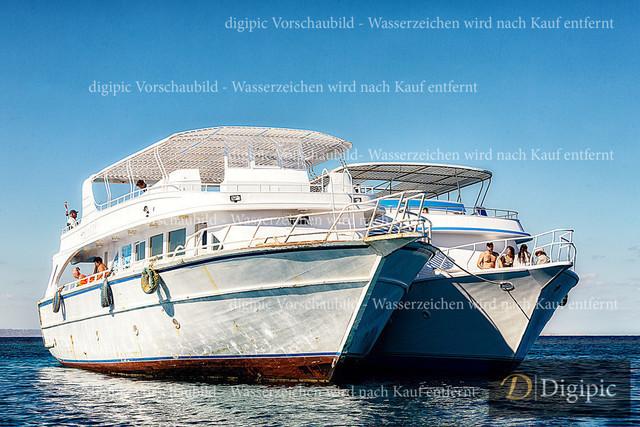Hurghada_Jänner 2020_794Bv | Ausflugsschiffe am Roten Meer