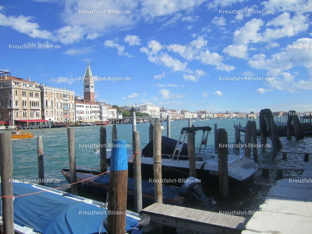 Blick Richtung Markusplatz | Der Blick vom anderen Ufer in Richtung Markusplatz in Venedig.