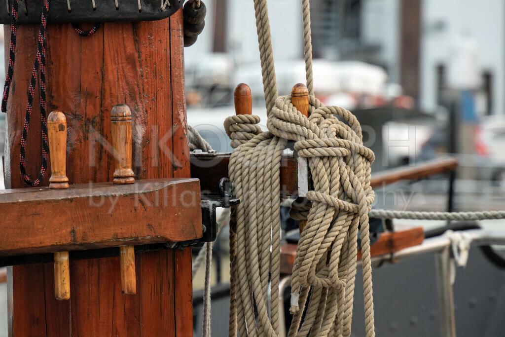 Seemannsgarn | Belegnagel mit Tau