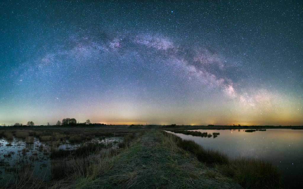 All Things Galactic Pt.2 | Der volle Bogen der Frühlingsmilchstraße über einem Moor in MIttelholstein