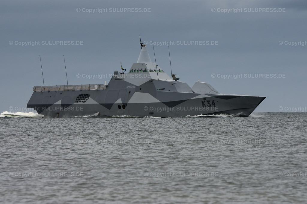 Die Korvette K34 Nyköping in Kiel | 06.06.2019, die Korvette K34 Nyköping der schwedischen Marine beim Einlaufen in die Kieler Förde. Das Tarnkappenschiff nimmt am NATO-Manöver BALTOPS teil. Die Korvetten der Visby Klasse gehören zu den ersten einsatzfähigen Tarnkappenschiffen (Stealth Design) der Welt. Durch ihren Wasserstrahl-Antrieb beträgt ihre Höchstgeschwindigkeit bis zu 35 kn (65 km/h).